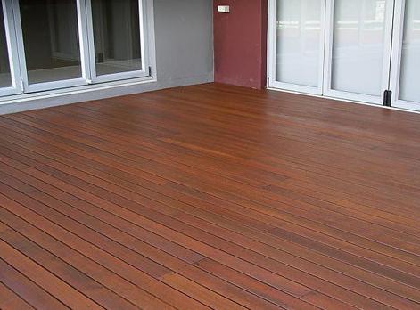阳台地板首选柳桉防腐木地板